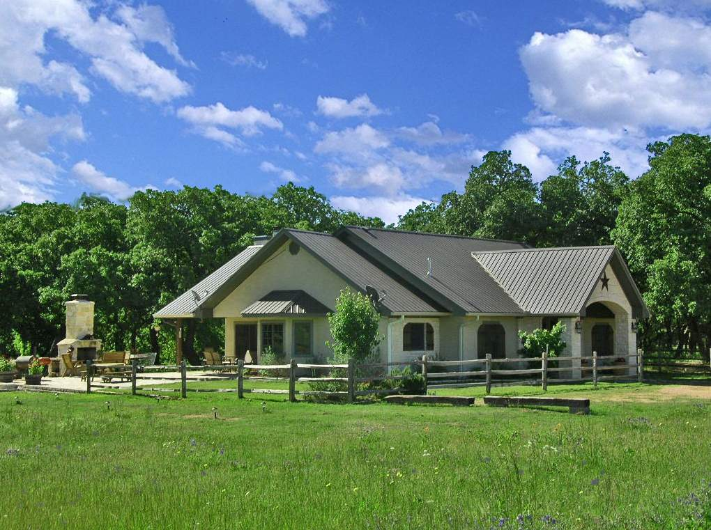 Country property close to town 7 acres two homes 102 for Houses for sale with guest house on property