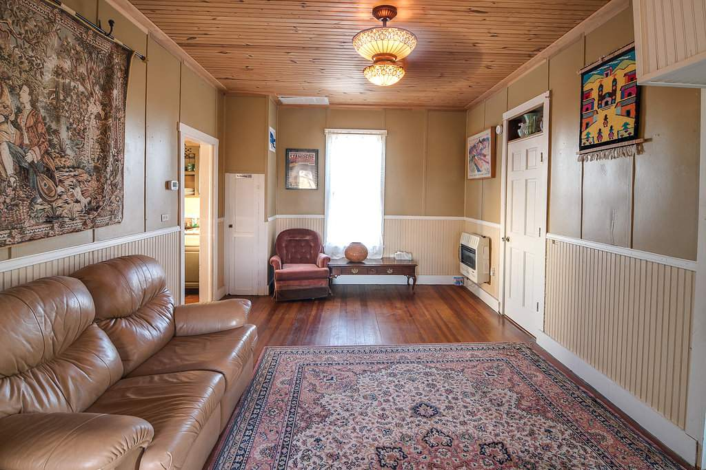spring texas the amp texasstay romantic breakfasts and tx bed guesthouses of breakfast one at fredericksburg cabins east opt blisswood cat
