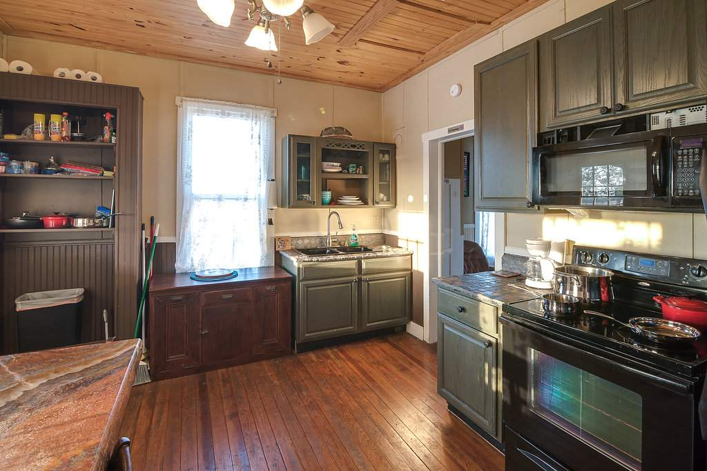 fredericksburg breakfast affordable bnb texas podge travelers ts amazingly hodge bed in under and getaways inns luxury info montgomery lodge
