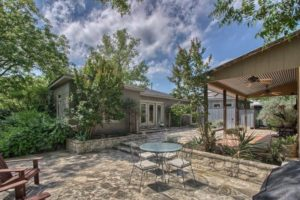 210 North Edison Fredericksburg TX home sale picture gallery