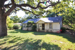 605 Sunset Fredericksburg TX homes sale Picture Gallery Real Estate