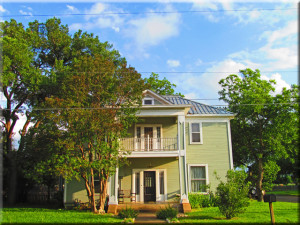 601 Bell Street bed and breakfast for sale in Fredericksburg tx
