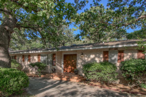 112 Glenwood Drive Fredericksburg TX Home for sale on huge corner lot