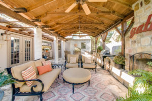 318 West Travis Fredericksburg TX home for sale Picture Gallery