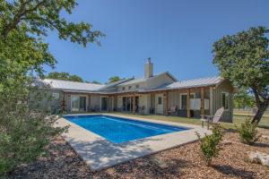 990 Vintage Oaks Fredericksburg TX Home on acreage for sale