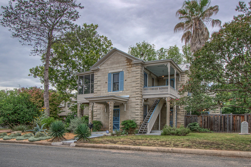 406 Sycamore Fredericksburg TX Picture Gallery