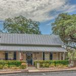 107 Washington Fredericksburg TX Historic Inn on the Creek