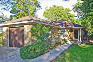 203 S Creek St Fredericksburg TX Home for Sale