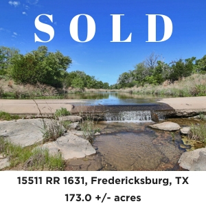173 Acre Willow Pond Ranch for sale Fredericksburg Texas