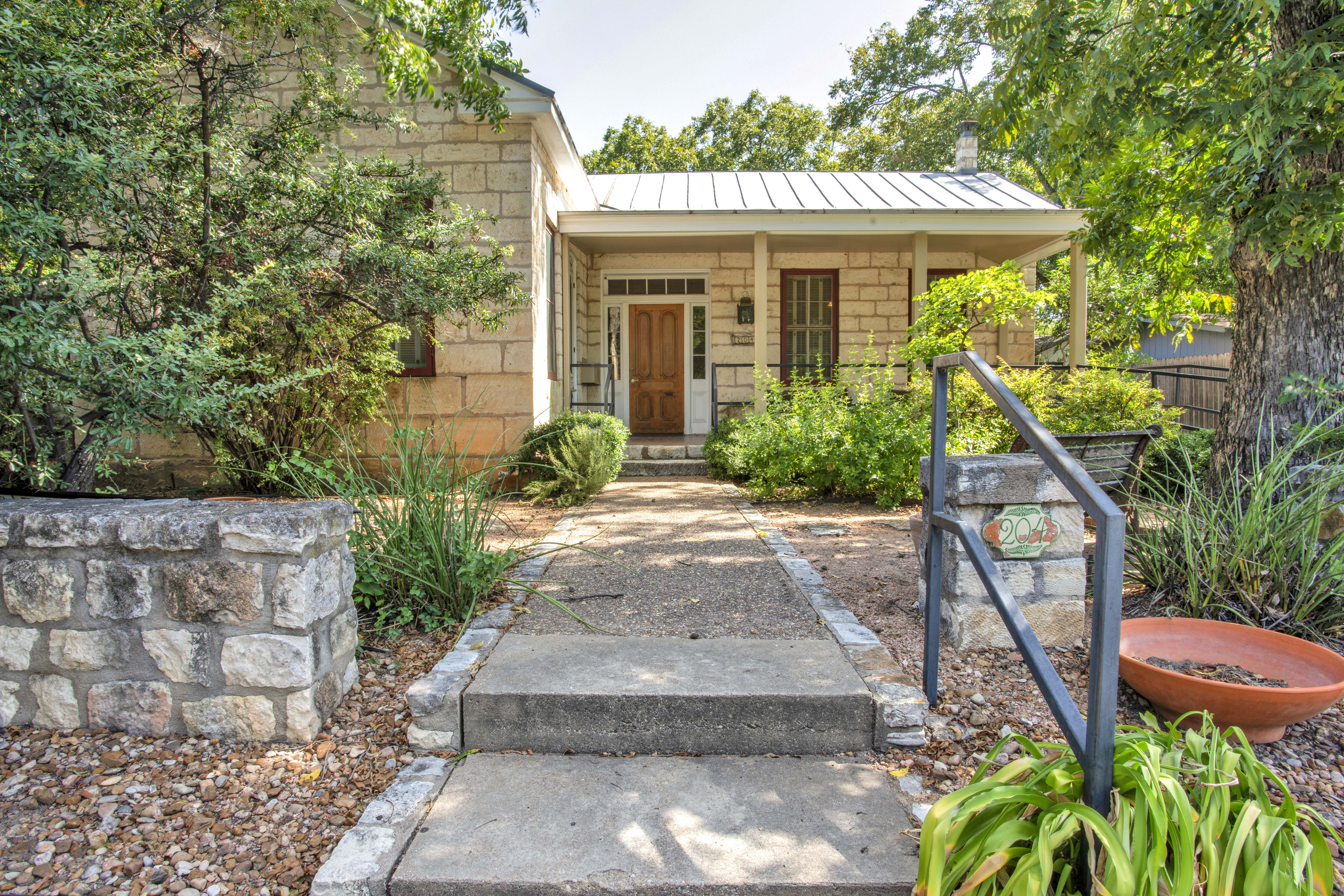 204 W Schubert St Fredericksburg TX Historic Home For Sale