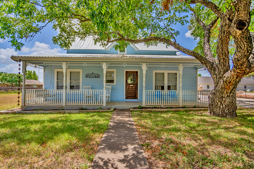 705 Highway Street Fredericksburg TX Short Term Rental for sale
