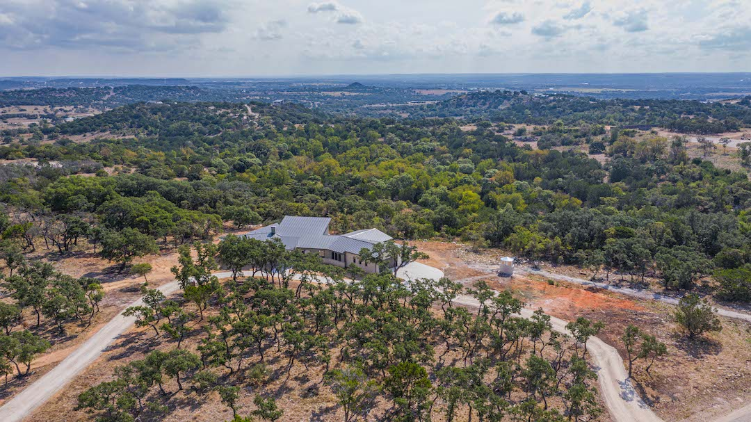 160 E Gran Vista Dr Fredericksburg TX For Sale