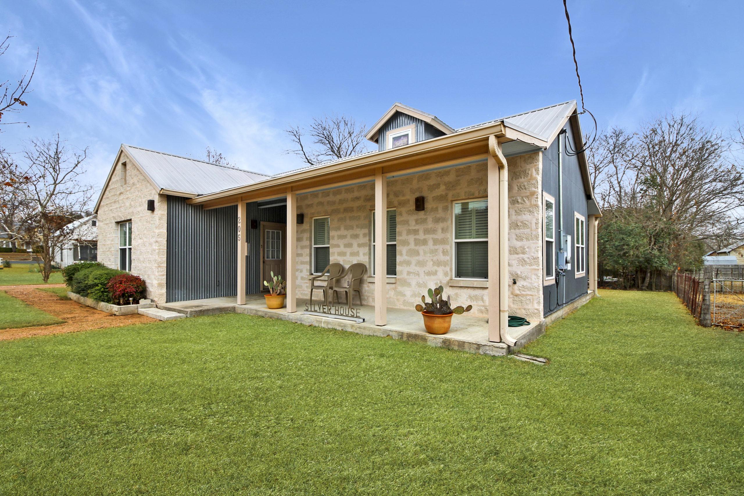 205 S Acorn Fredericksburg TX Home for Sale