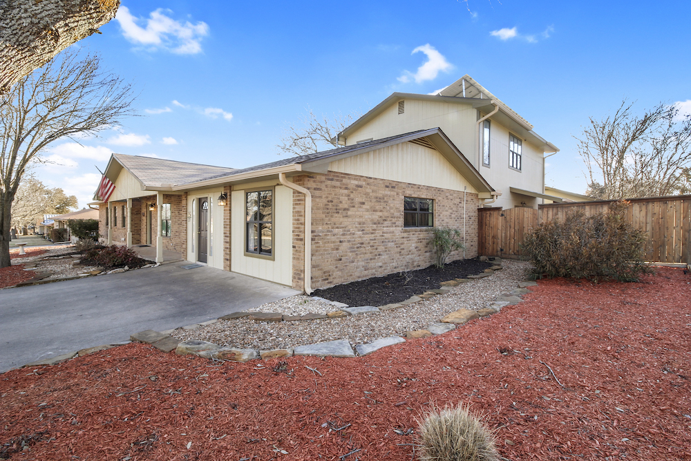 217 W Driftwood Fredericksburg TX Home For Sale
